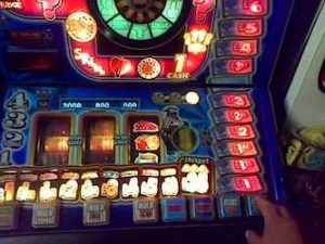 Picture of the Bull's Eye fruit machine
